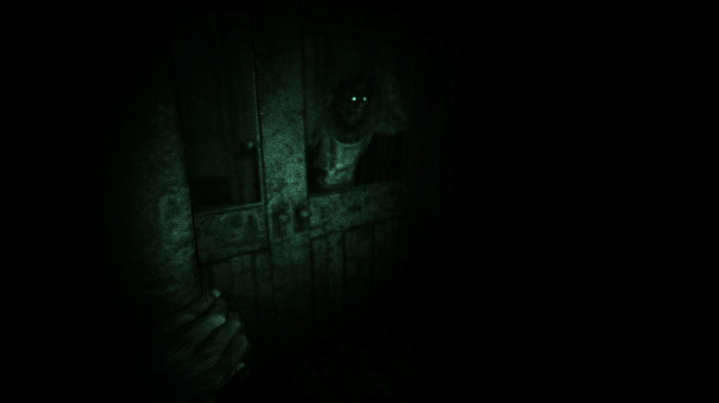 outlast giant enemy